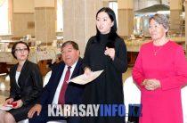 «Almaty Steklo» зауытының қызметкерлерімен кездесу өткізді