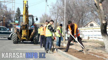 Идёт посадка деревьев, начат ремонт дорог