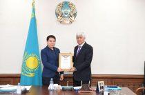 Амандык Баталов – самый активный аким